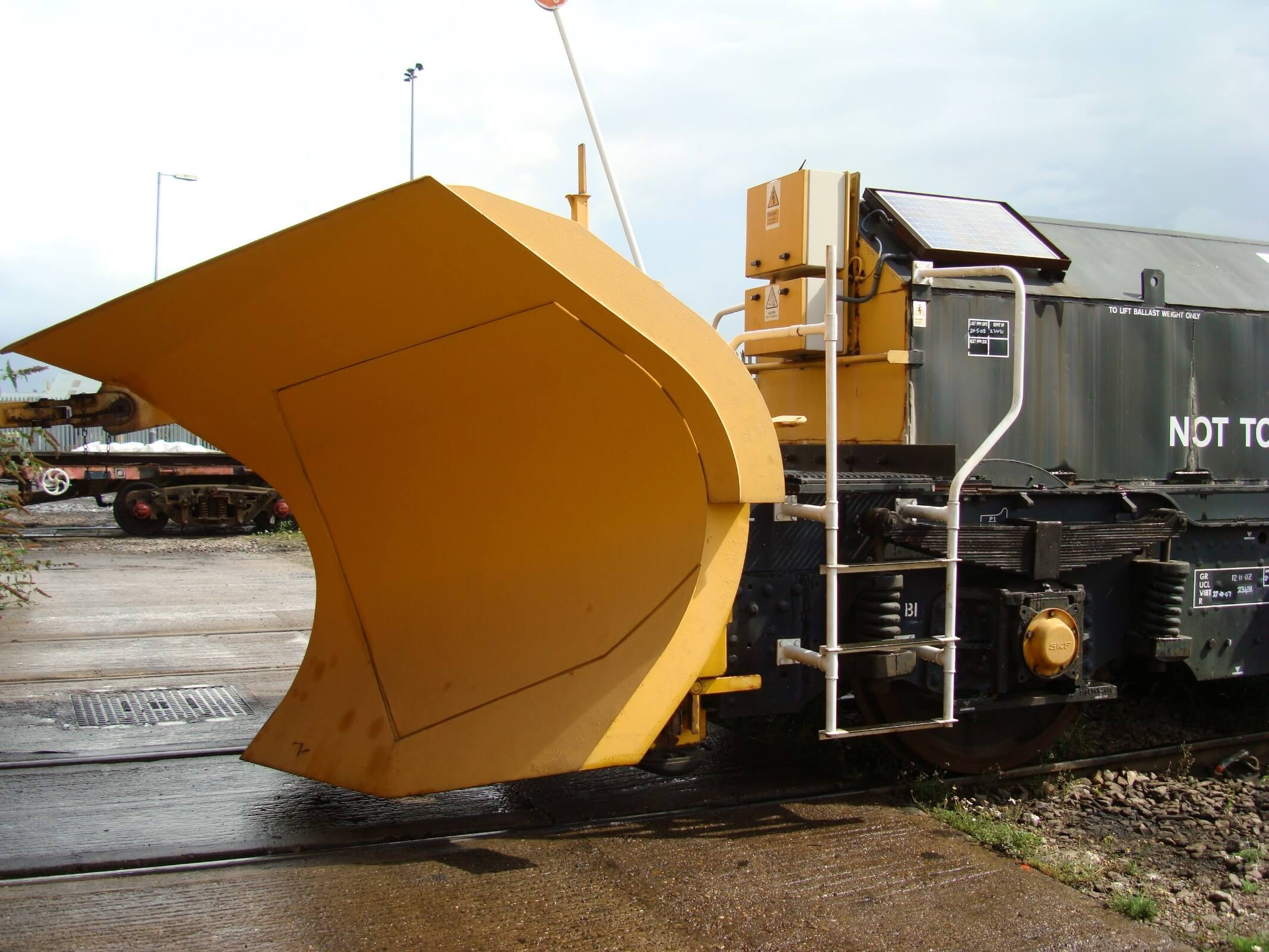 Weighing a snowplough for Network Rail